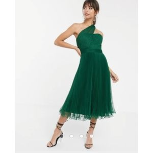 NWT ASOS green one shoulder tulle midi dress